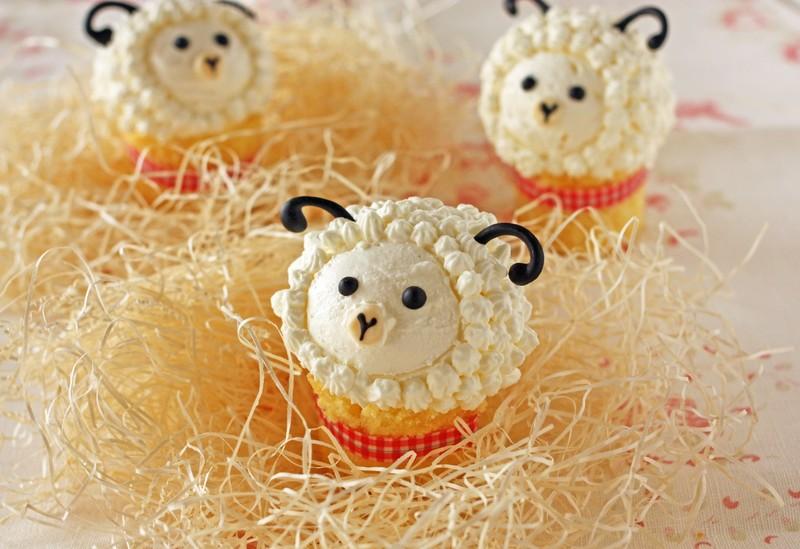 マフィン型はなくてOK!ミニ紙コップで作る羊さんマフィン