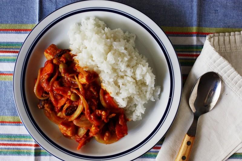 「災害メシ!洗い物ゼロのトマトカレーとフライパン炊飯